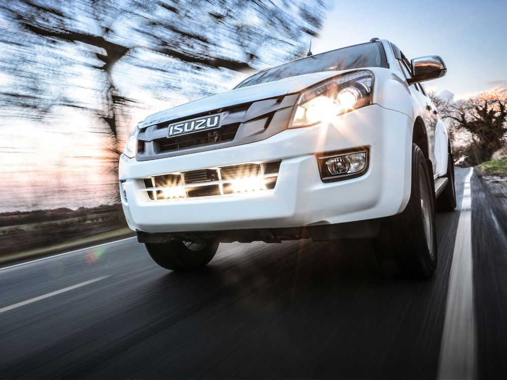 Isuzu D-Max Lower Grille Mounting Kit